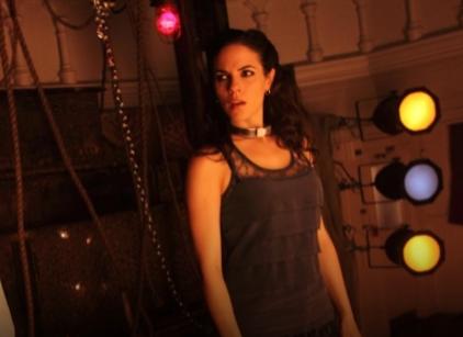 Watch Lost Girl Season 2 Episode 8 Online