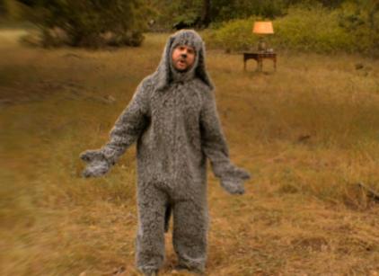 Watch Wilfred Season 2 Episode 11 Online