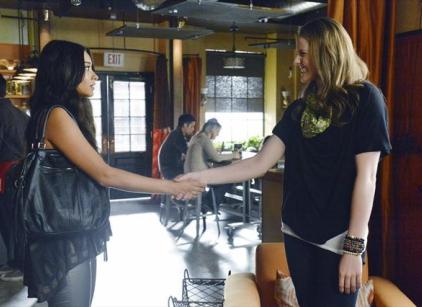 Watch Pretty Little Liars Season 3 Episode 22 Online