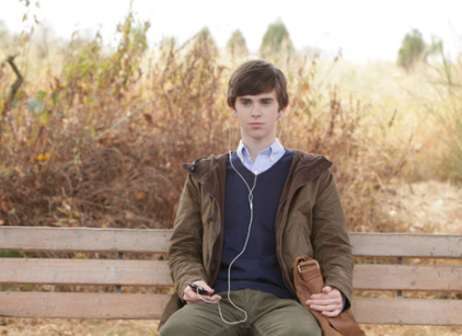Watch Bates Motel Season 1 Episode 1 Online