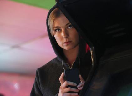 Watch Revenge Season 2 Episode 19 Online