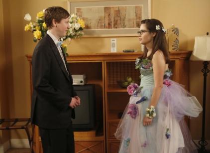 Watch New Girl Season 2 Episode 23 Online