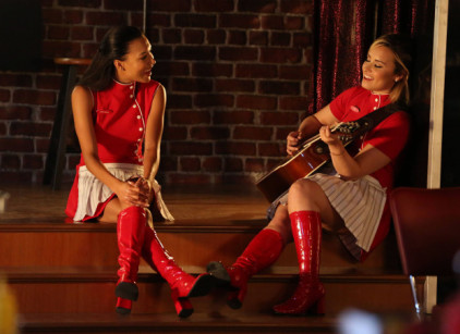 Watch Glee Season 5 Episode 2 Online