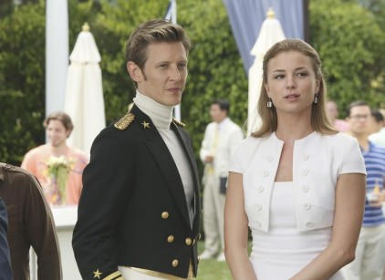 Watch Revenge Season 3 Episode 3 Online
