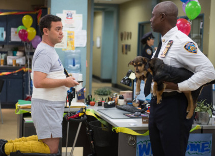 Watch Brooklyn Nine-Nine Season 1 Episode 12 Online