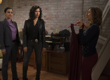 Watch Brooklyn Nine-Nine Season 1 Episode 14 Online