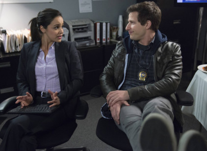Watch Brooklyn Nine-Nine Season 1 Episode 15 Online