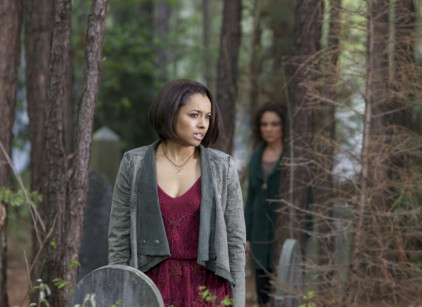 Watch The Vampire Diaries Season 5 Episode 22 Online