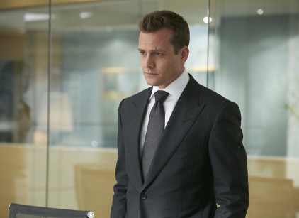 Watch Suits Season 4 Episode 1 Online