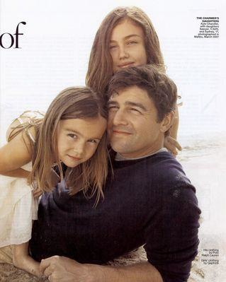 Kyle Chandler and Daughters