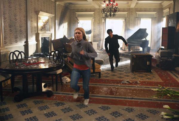 Run, Claire!