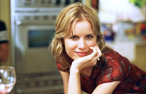Kim dickens to recur on sons of anarchy as tv fanatic
