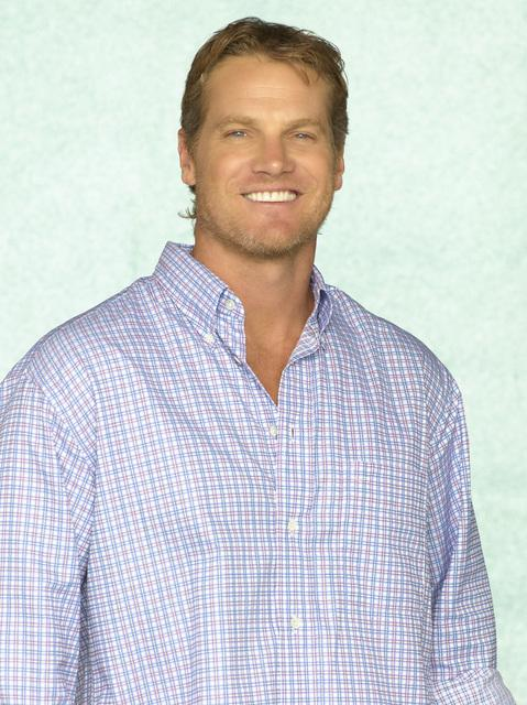 Brian Van Holt as Bobby Cobb
