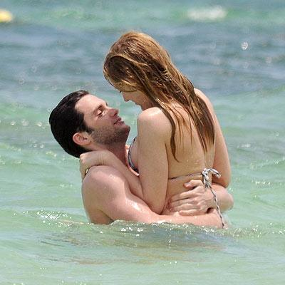 Blake Lively and Penn Badgley Picture