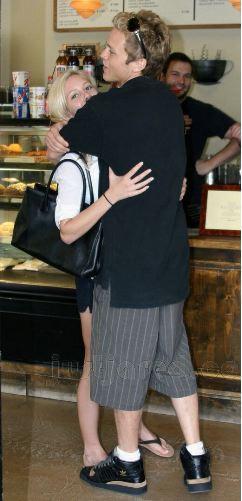 Heidi Montag Hugged By Spencer Pratt
