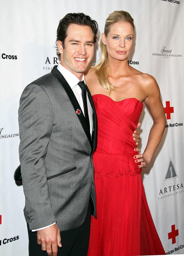 Mark-Paul Gosselaar and Catriona McGinn Photo