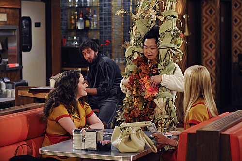A 2 Broke Girls Thanksgiving