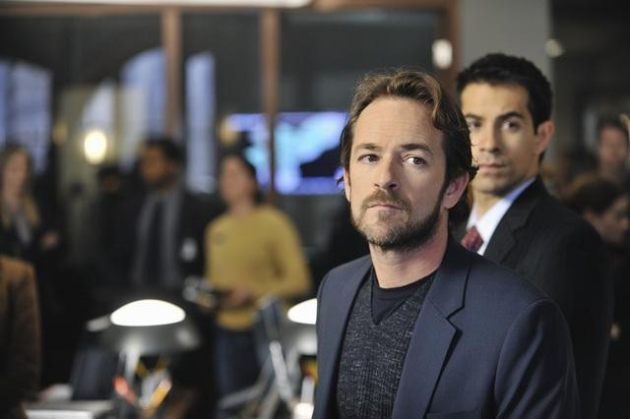 Luke Perry on Body of Proof