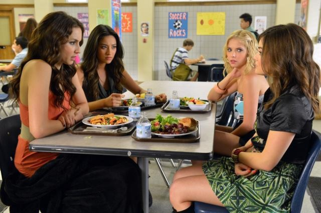 Pretty Little Liars at Lunch