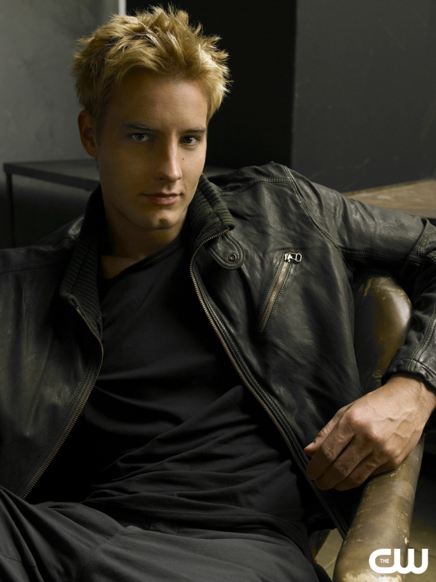Justin Hartley Photo