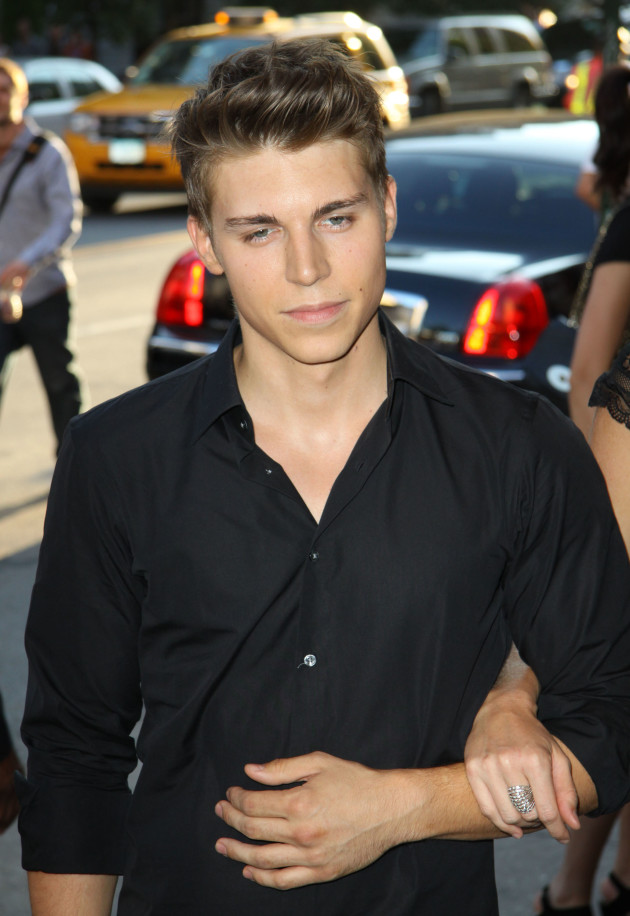 Nolan Gerard Funk Cast as New Directions Rival on Glee ...