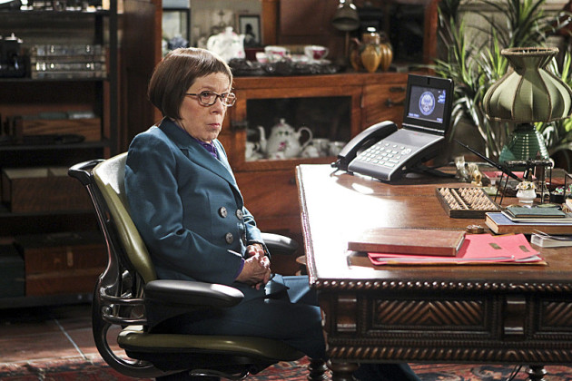 Hetty at her Desk