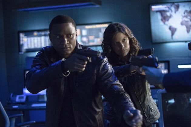 Diggle and Lyla Aim at Waller