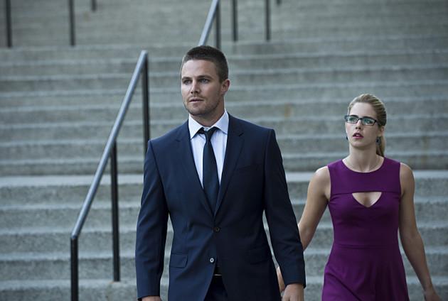 Wait! Don't Go. - Arrow Season 3 Episode 1