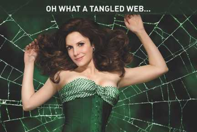 Weeds season five poster