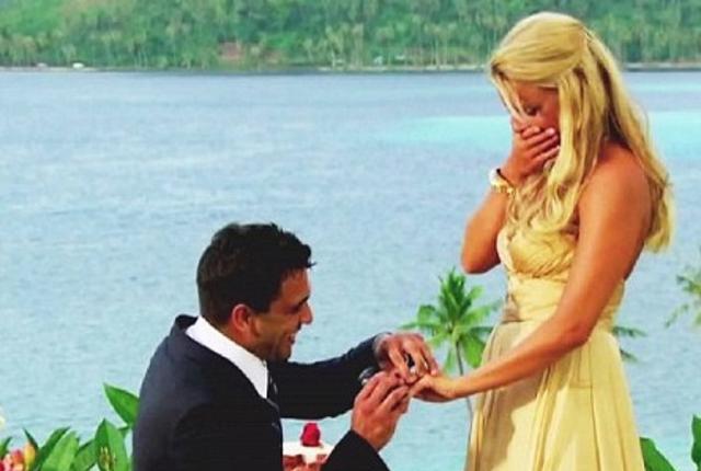 Roberto proposes