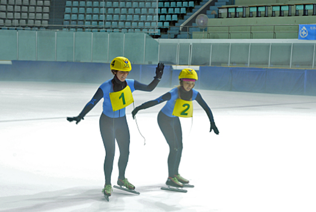 Claire and brook skate