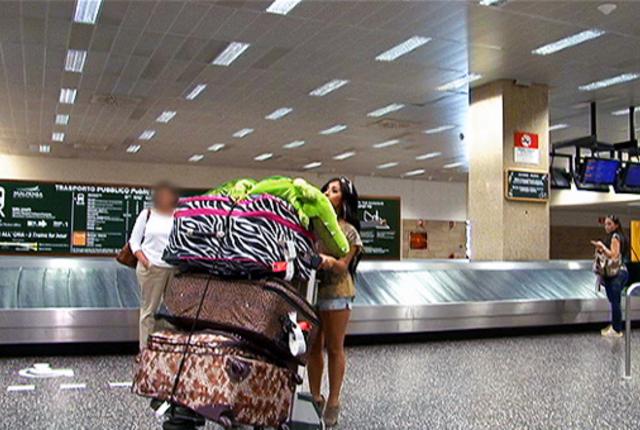 Snooki baggage
