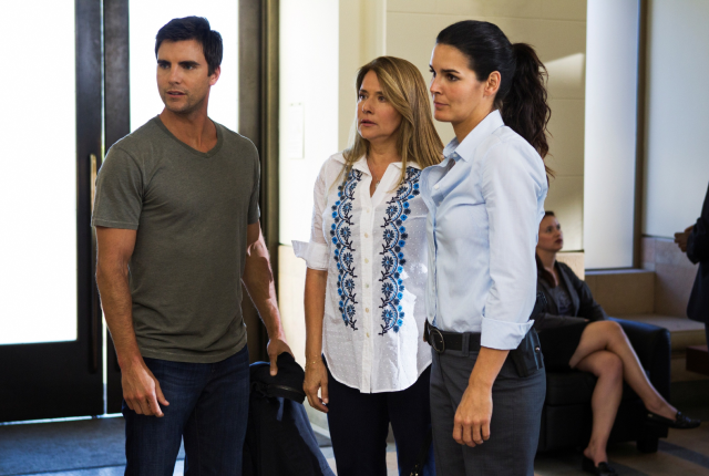 Colin egglesfield and lorraine bracco on rizzoli and isles