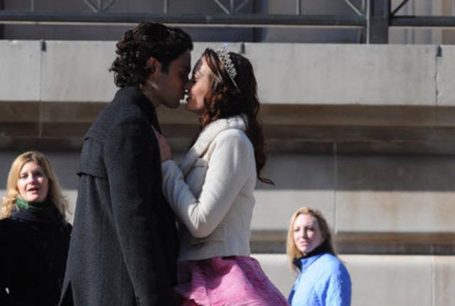 Dan and blair kiss