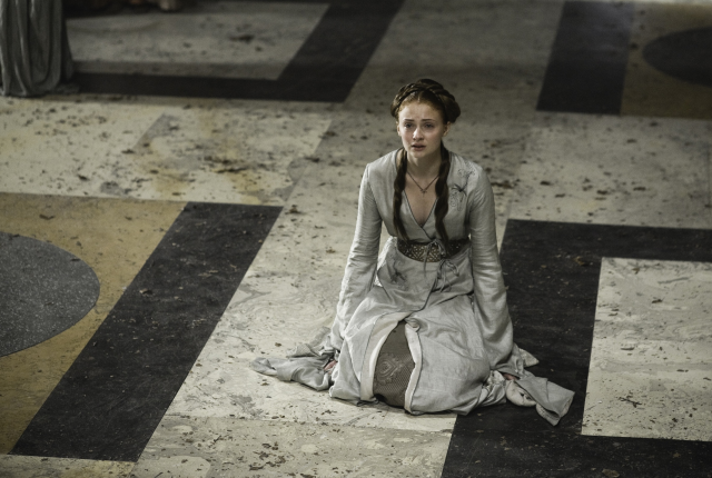 Sansa-on-her-knees
