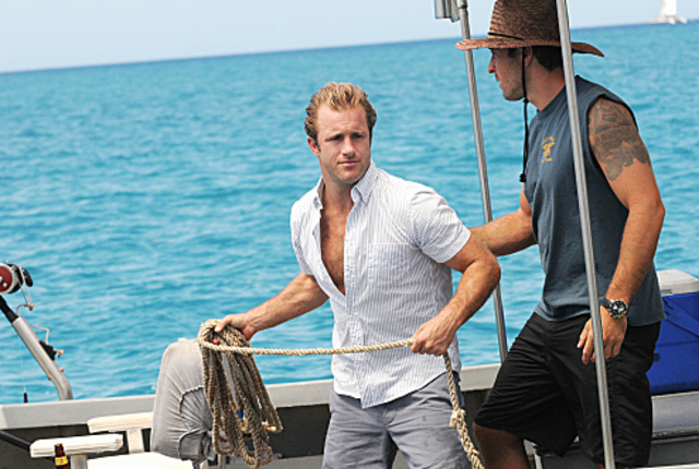 Mcgarrett-and-danny-on-a-boat