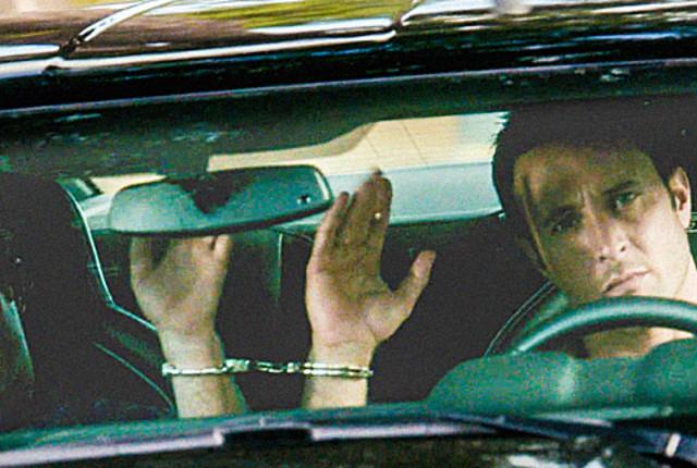 Danny-and-mcgarrett-are-handcuffed