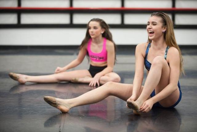 Dancers-discuss
