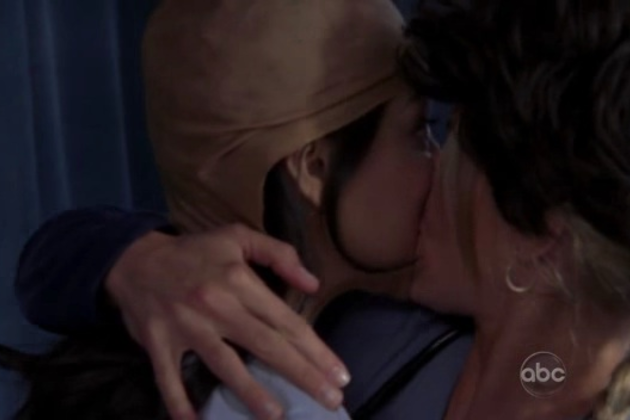 Denise-and-sunny-kiss