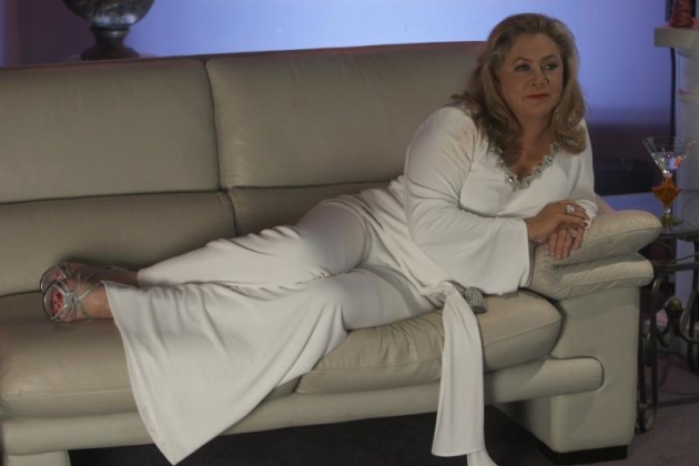 Kathleen-turner-on-californication