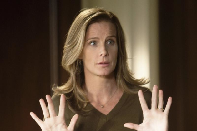 Rachel-griffiths-as-sarah