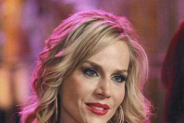 Julie-benz-on-desperate-housewives