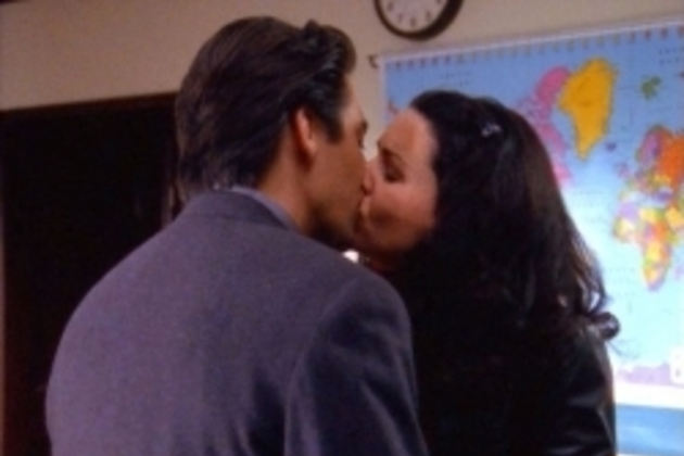 Lorelai-and-max-kiss