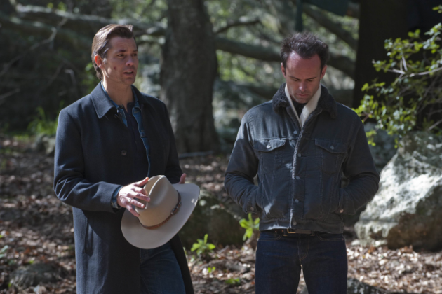 Raylan-and-boyd-talk
