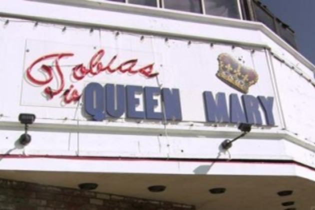 Tobias-is-queen-mary