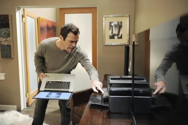 Watch modern family season 2 episode 2 online tv fanatic for Modern family printer