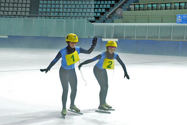 Claire-and-brook-skate