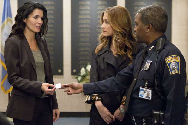 Rizzoli-and-isles-season-2-premiere-pic