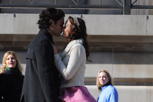 Dan-and-blair-kiss