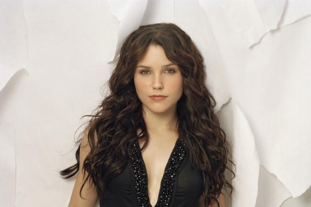 Sophia-bush-promo-image